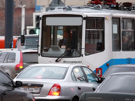 Трамваю не позволили бесплатно ронять пассажиров