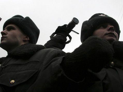У здания РФС выставлены два наряда полиции