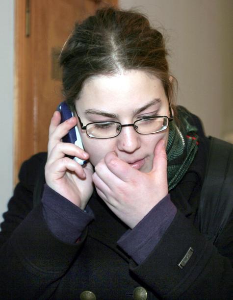 Платежи уходят в мобильники