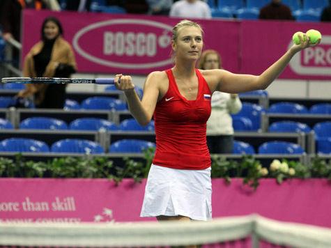 Мария Шарапова переиграла Сирену Уильямс на финансовом корте