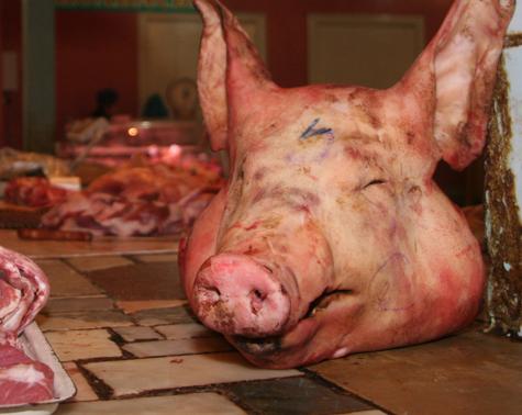 Свинина подложила горожанам инфекцию