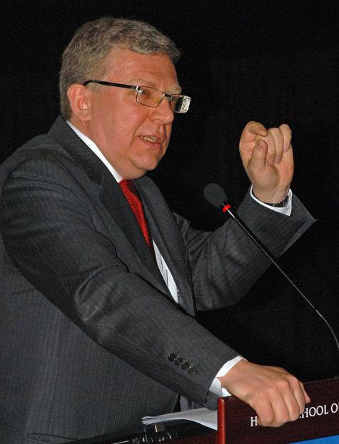 Кудрин снова спорит с Медведевым
