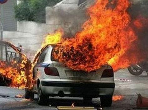 В Красноярске за ночь сожгли два автомобиля