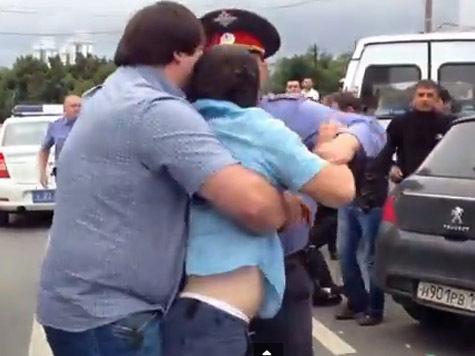 Полиция «зачистила» рынки Москвы: за полдня задержано 300 человек