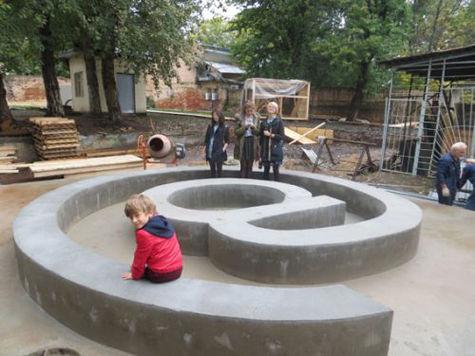 Памятник транзистору и мобильные скамейки установят в «Вышке»