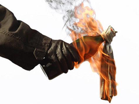 Следственный комитет забросали «коктейлем Молотова»