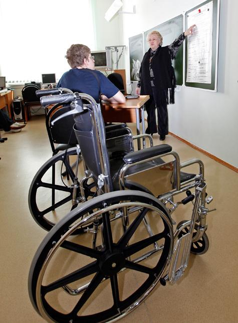 Инвалиды опустятся до чиновников