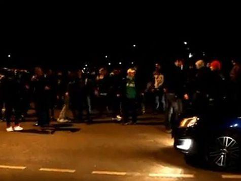 Жители Бирюлево вышли на сход после убийства молодого человека