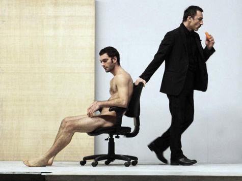 Фестиваль «Территория» взорвет провокационными спектаклями с голыми мужчинами 7 площадок Москвы