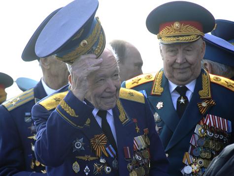 На московских ветеранов наденут «тревожные» браслеты