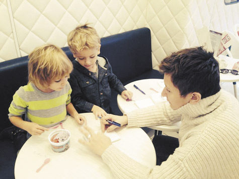 Диана Арбенина отпраздновала Хеллоуин со своими детьми