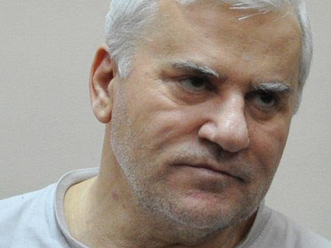 Амирова привезли в суд из больницы