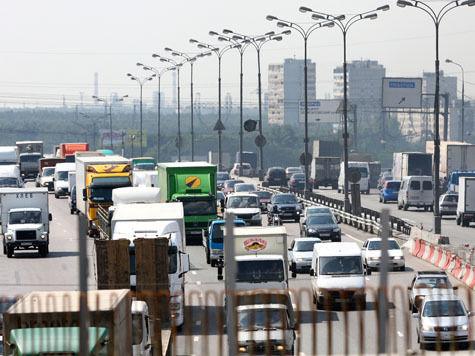 Запрет въезда грузовиков на МКАД не улучшил ситуации!