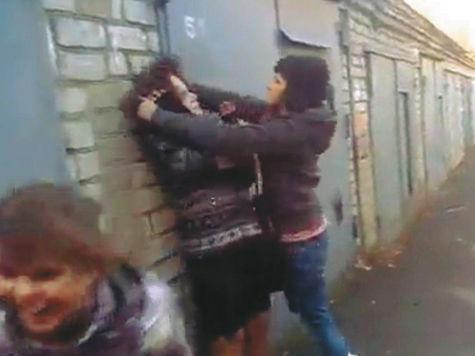 Видео жестокого унижения
