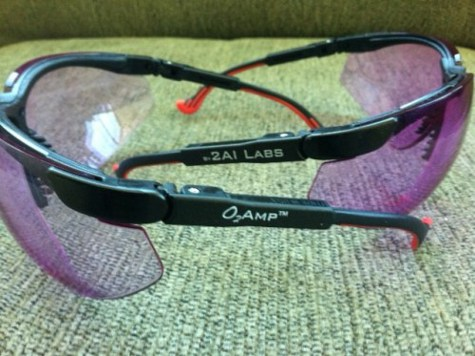 Придуманы очки, которые помогают выявить истинные чувства собеседника
