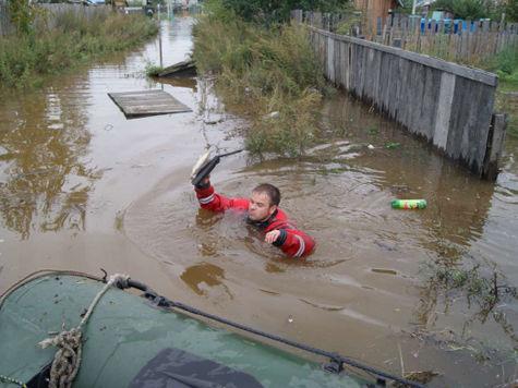 В районе Комсомольска-на-Амуре уровень воды Амура достиг отметки 902 сантиметра, прибавив за сутки семь сантиметров.