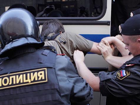 """""""Крепкий парень"""" Монахов, жестоко избитый полицией в автозаке, написал заявление"""