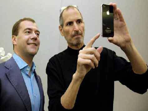 Заокеанские пользователи iPhone 4 дожали Apple за пресловутую