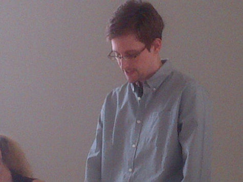 Правозащитники собрали для Сноудена 25 тыс долларов
