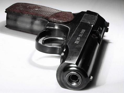 Жители сдавали оружие на самоубийство участкового