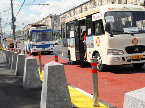 Автобус протаранил троллейбус на северо-западе Москвы