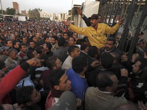 Терпению египтян пришел конец