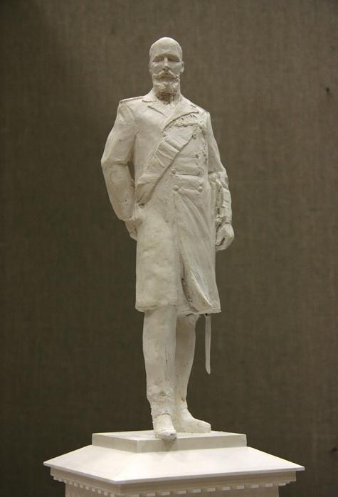 Памятнику Столыпину заломали руку