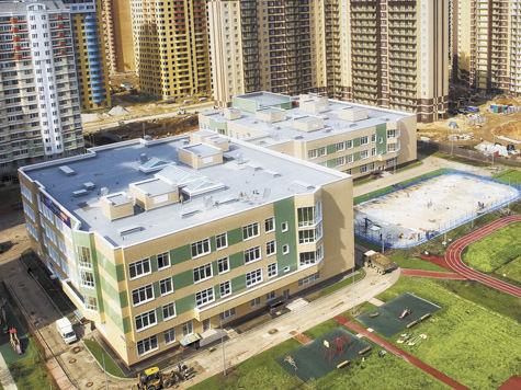 Сначала строим школы