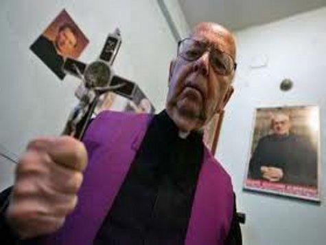 Главный экзорцист Ватикана: Занятия йогой и Гарри Поттер ведут к злодейству