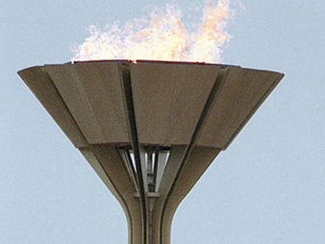 Олимпийский огонь погрузят в воду и заморозят