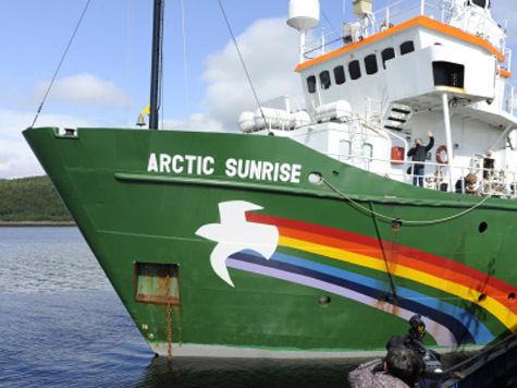 Эксперт: активистов Greenpeace отпустят в течение двух месяцев