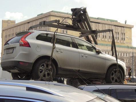 Москвичам заплатят заповреждения авто приэвакуации
