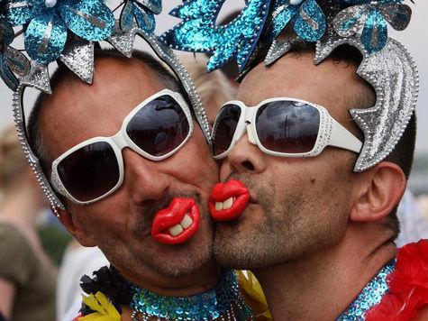 Организатор гей-парада Николай Алексеев хочет провести мероприятие в