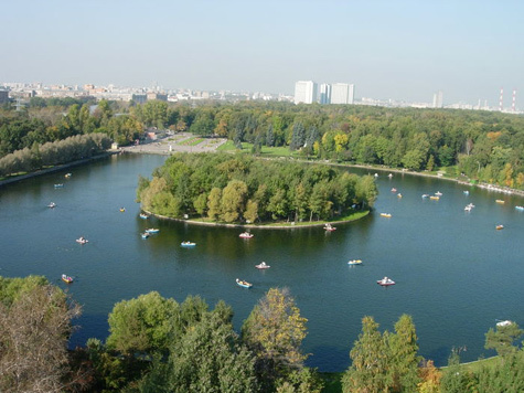 Парк Измайлово - один из самых больших и живописных парков Москвы.  Когда-то территория Измайловского парка была...