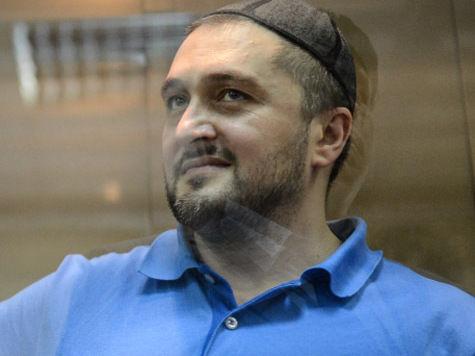 На процессе по делу Политковской судью запутал вес обвиняемого