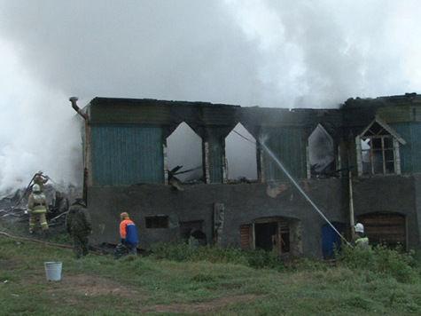 Разбор завалов на пожарище интерната завершен: найдены тела 35 погибших