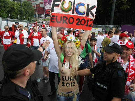 Femen назвали Мишеля Платини