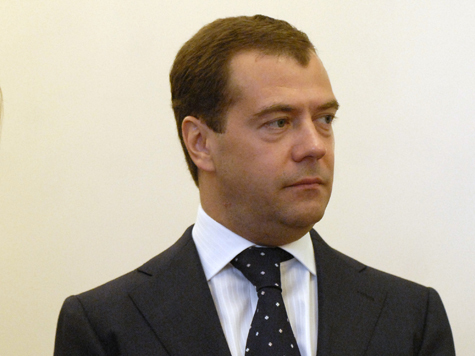 Медведев держит себя в Раменках