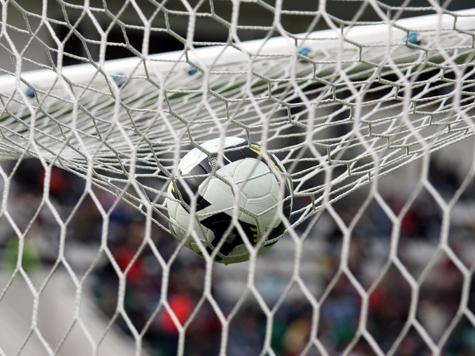 Англичане перед Евро-2012 рискуют остаться без тренера