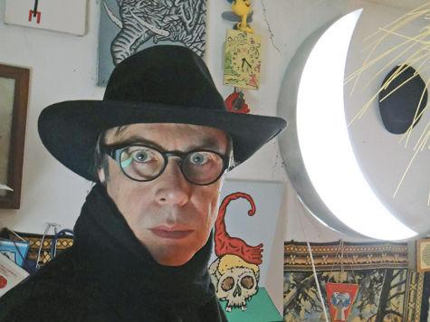 Мистер Мун – художник, упавший с Луны