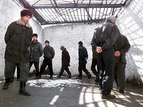 """""""Пожизненников"""" держат в колониях без канализации"""