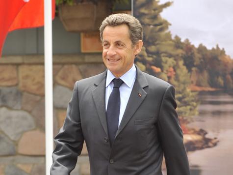Сын Николя Саркози забросал помидорами женщину-полицейского