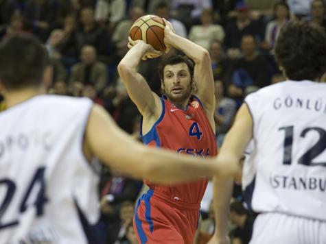 Российский баскетбольный ЦСКА вышел в финал Евролиги в Стамбуле