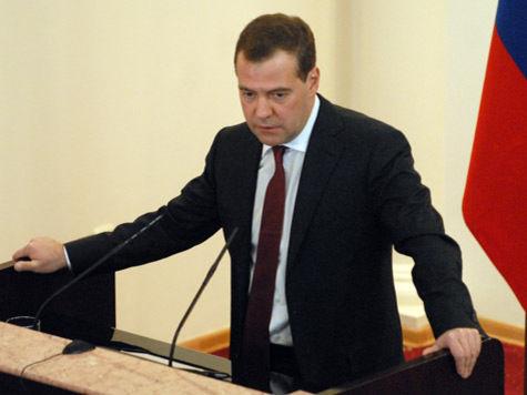 Медведев заставит россиян платить за ЖКХ заранее