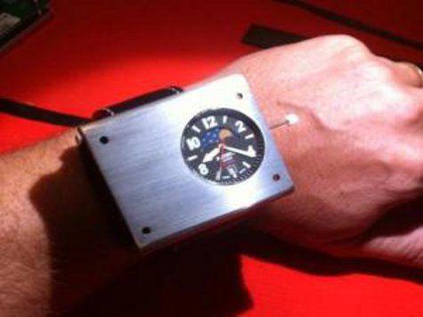 Американцы создали наручные атомные часы