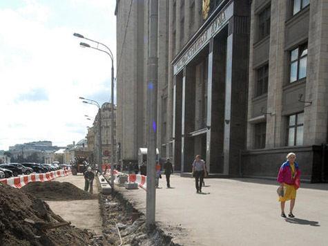 Ремонт в Госдуме: магазин подарков перенесли, а женскую фигурку на двери уберут из кадра