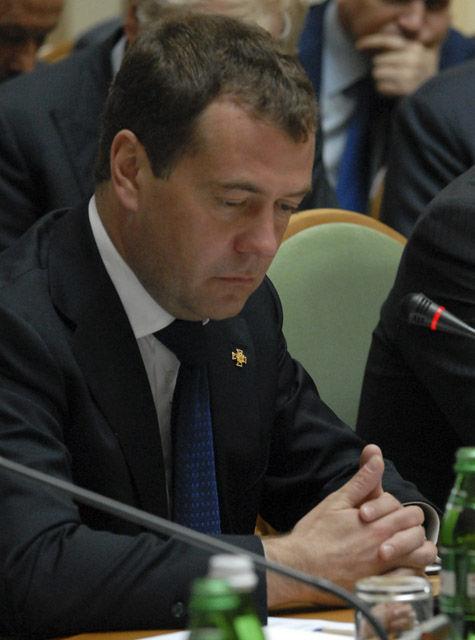 Медведев поставил Открытое правительство наместо