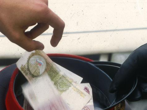 Полицейский перехватил взятку у своего начальника