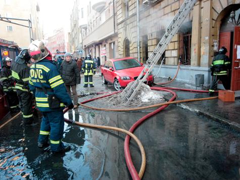 200 столичных жителей эвакуировали при тушении