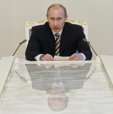 Путин объявил рекламную паузу